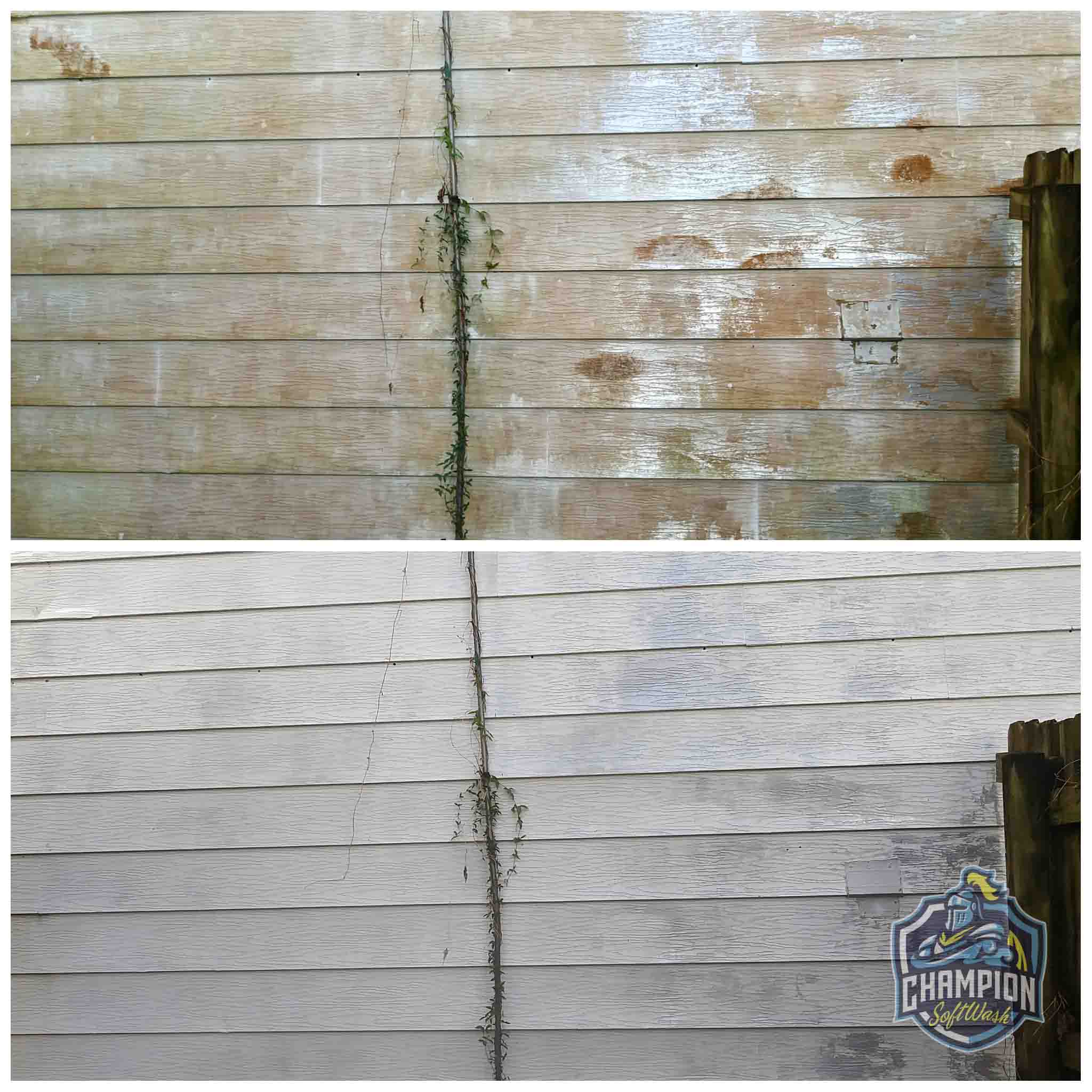 Aluminum siding soft washing, pressure washing, house wash, dirty house