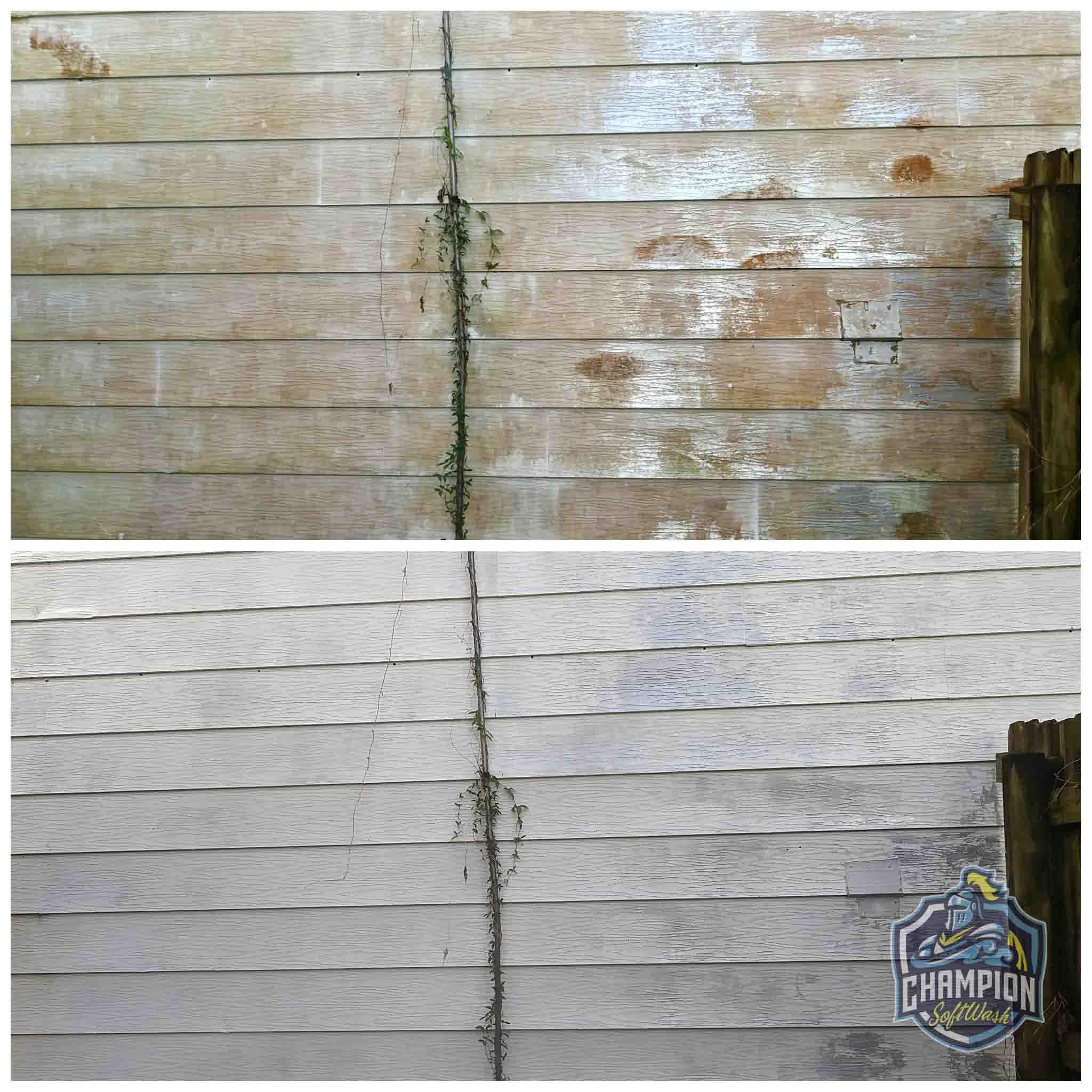 Aluminum siding soft washing, pressure washing, house wash, dirty house